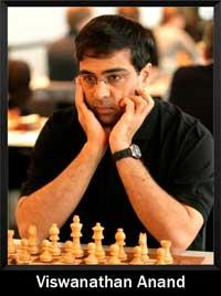 Viswanathan Anand mirando frente suyo con la mirada perdida jugando al ajedrez - campeón del mundo - Campeón mundial